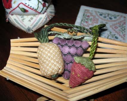 425 berry emery fruit bowl 08 22 13