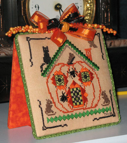 Pumpkin House by Kreinik?